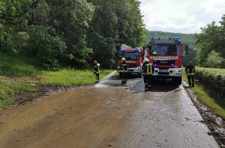 Nach erneutem Starkregen: Feuerwehr muss zweimal auf die Bundesstraße 90 ausrücken